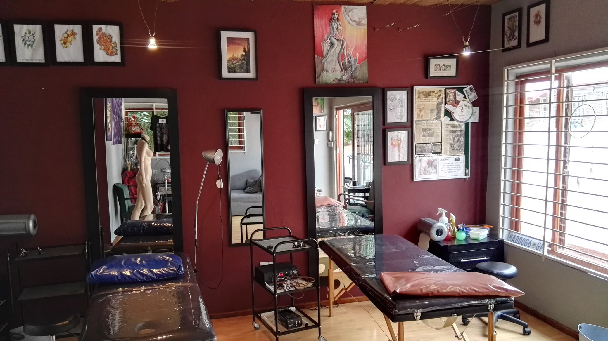 Living Gallery Skin Modification & Tattoo Studio